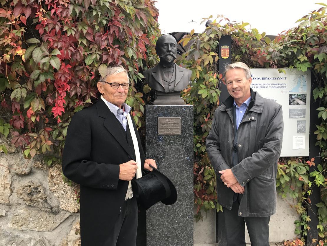 Konsernsjef Knut Barland (t.h.) sammen med oldebarnet til H.C. Hansen, Kristian E. Amlie. KRISTIAN NORHEIM.