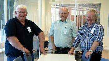 VIKTIGE: Olav Myrehaug (fra venstre) Olav Tov Røysland og Sigmund Røysland i Tinnkraft AS opplever at Skagerak ser på de som viktige. Tinnkraft utvinner kraft i elva Gøyst i Tinn.  FOTO: BJØRN HARRY SCHØNHAUG