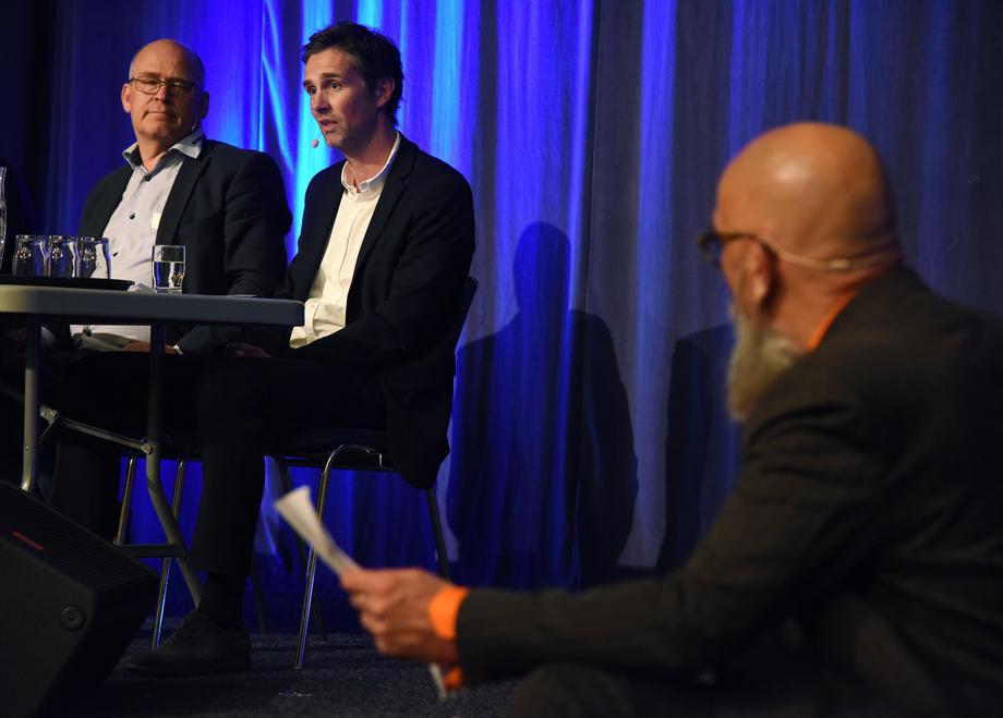 DEBATT: Daglig leder Frode Halvorsen i Skagerak Naturgass (til høyre) forteller at Skagerak har god dialog med myndighetene om betingelsene for bransjen, men at det går tregt fremover.  FOTO: BJØRN HARRY SCHØNHAUG