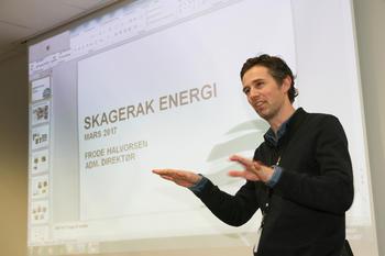 Frode Halvorsen i Skagerak Naturgass snakker gjerne både varmt og mye om biogassens gode egenskaper som klimavennlig drivstoff.  FOTO: RUHNE NILSSEN