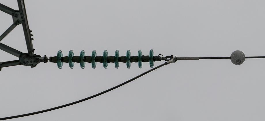 Isolator og neuron på 132-kv-ledning.
